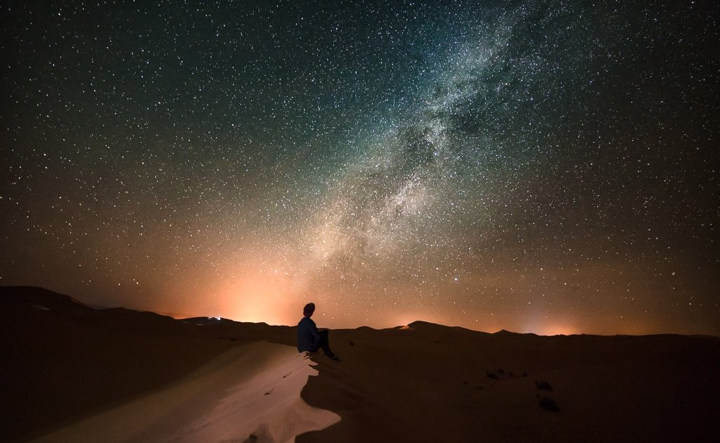 stargazing, stargazing Sahara, spend the night in the Sahara, Sahara desert, Sahara camping, camp Sahara, Sahara camp, desert camp, Morocco camp, camping, milky way, stars, night, Merzouga, Erg Chebbi, Morocco, camp north africa