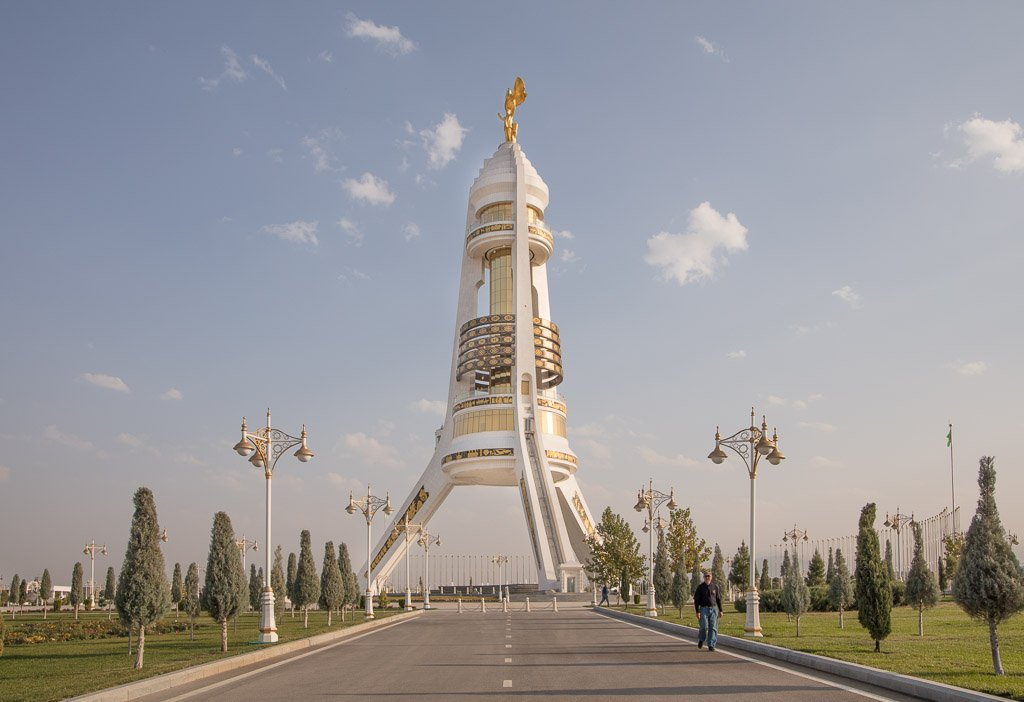Turkmenistan photos, Turkmenistan, Ashgabat, Central Asia, Arch of Neutrality, Monument of Neutrality, Arch of Neutrality Turkmenistan, Arch of Neutrality Ashgabat, Monument of Neutrality Ashgabat, Monument of Neutrality Turkmenistan, Turkmenbashi Statue, Turkmenbashi, Saparmurat Niyazov, Saparmurat Niyazov statue