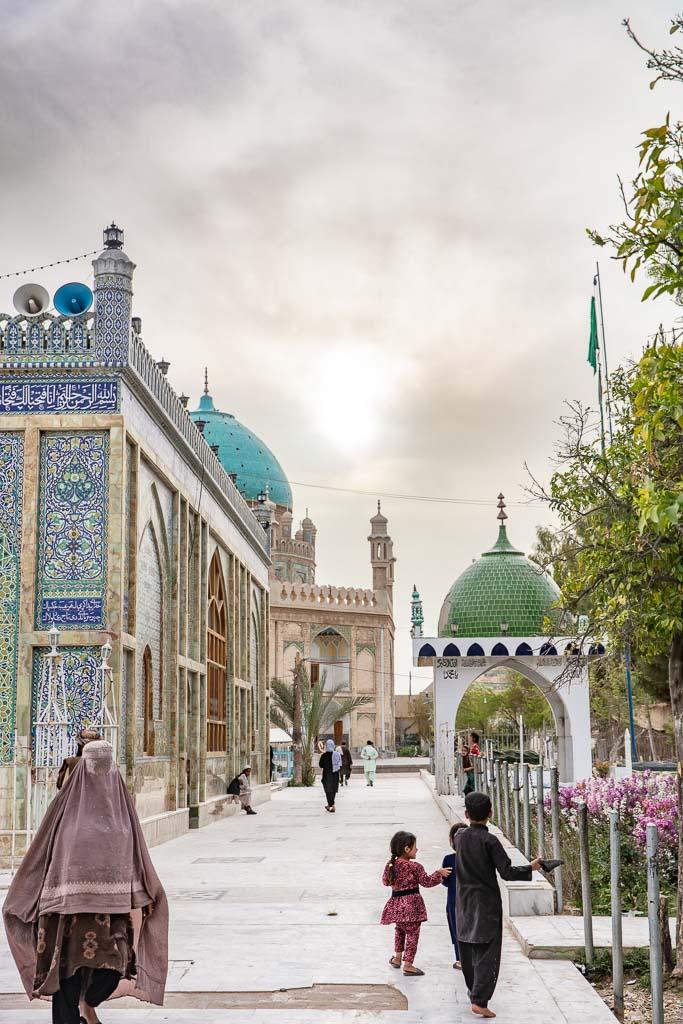Mosque of the Cloak, Mosque of the Cloak of Prophet Mohammed, Mosque of the Cloak Kandahar, Mosque of the Cloak Afghanistan, Kandahar, Afghanistan, Ahmed Shah Durrani, Ahmed Shah Durrani Shrine